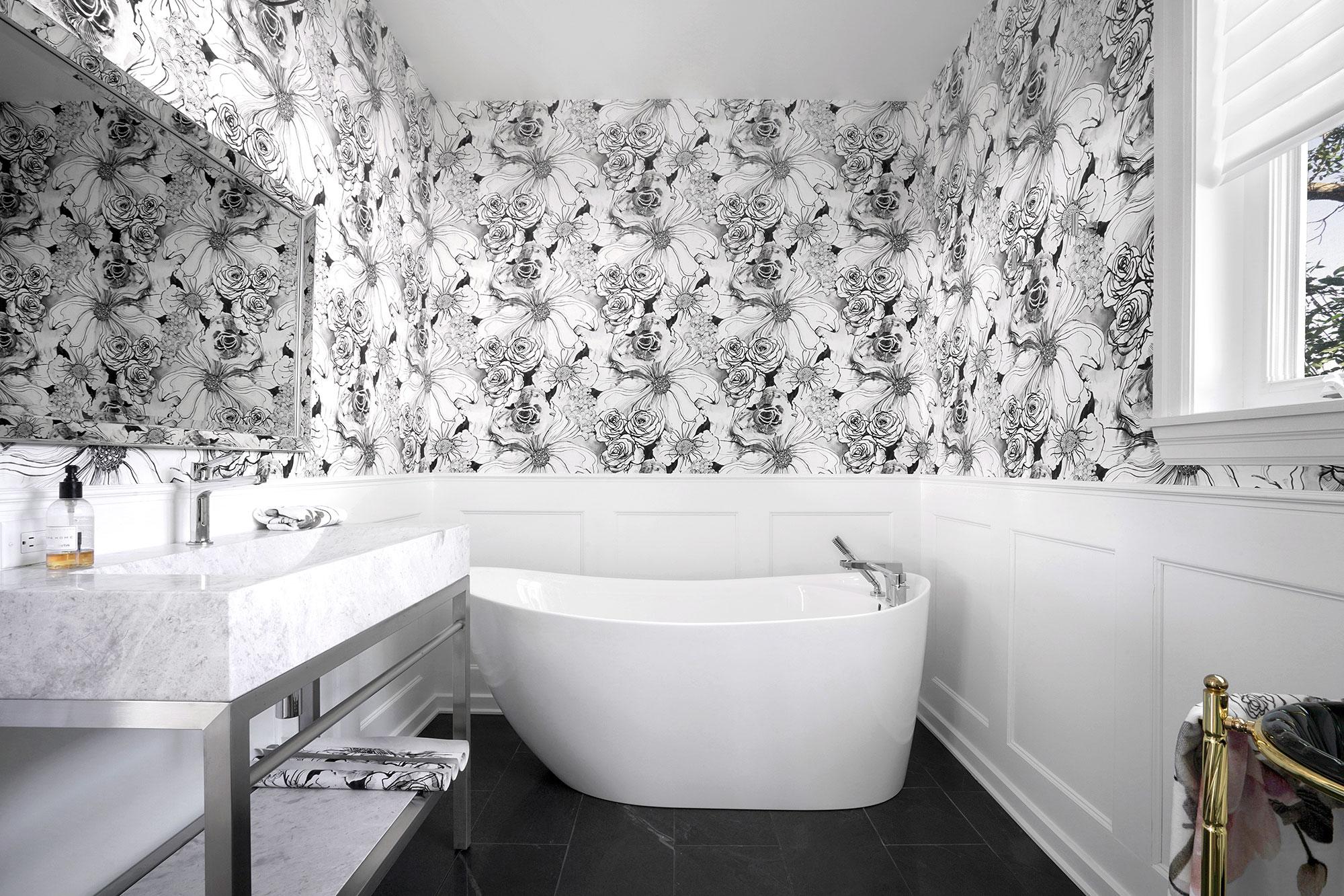 Salle de bain tapissée